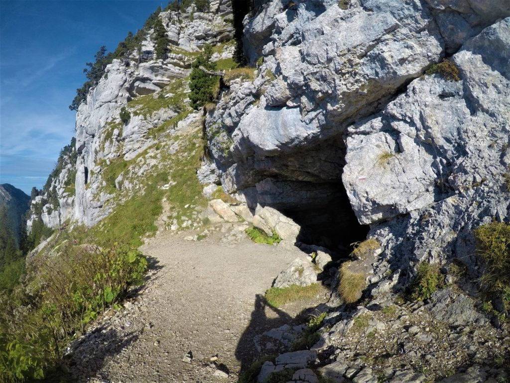 Grotte trou du glaz