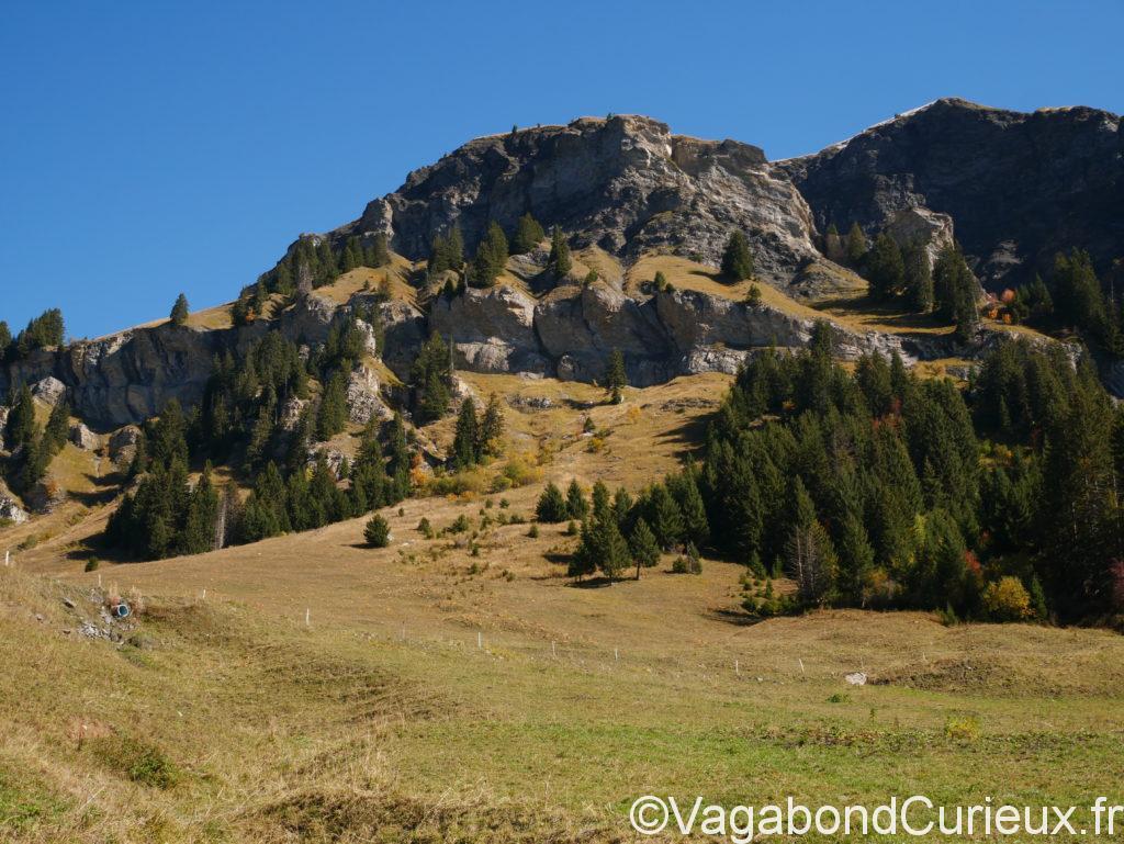 Montagne au tour du lac de Saint guérin